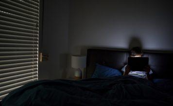 血圧は睡眠不足に影響される?その関連性と影響について