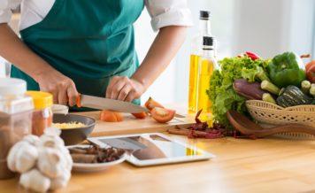 都内に暮らす20-50代の一人暮らしの男女108人に聞いた、 夕食をほぼ毎日つくっている方は33.3%! ~宅配健康食のタイヘイが都内に住む一人暮らしの男女の食生活を調査~