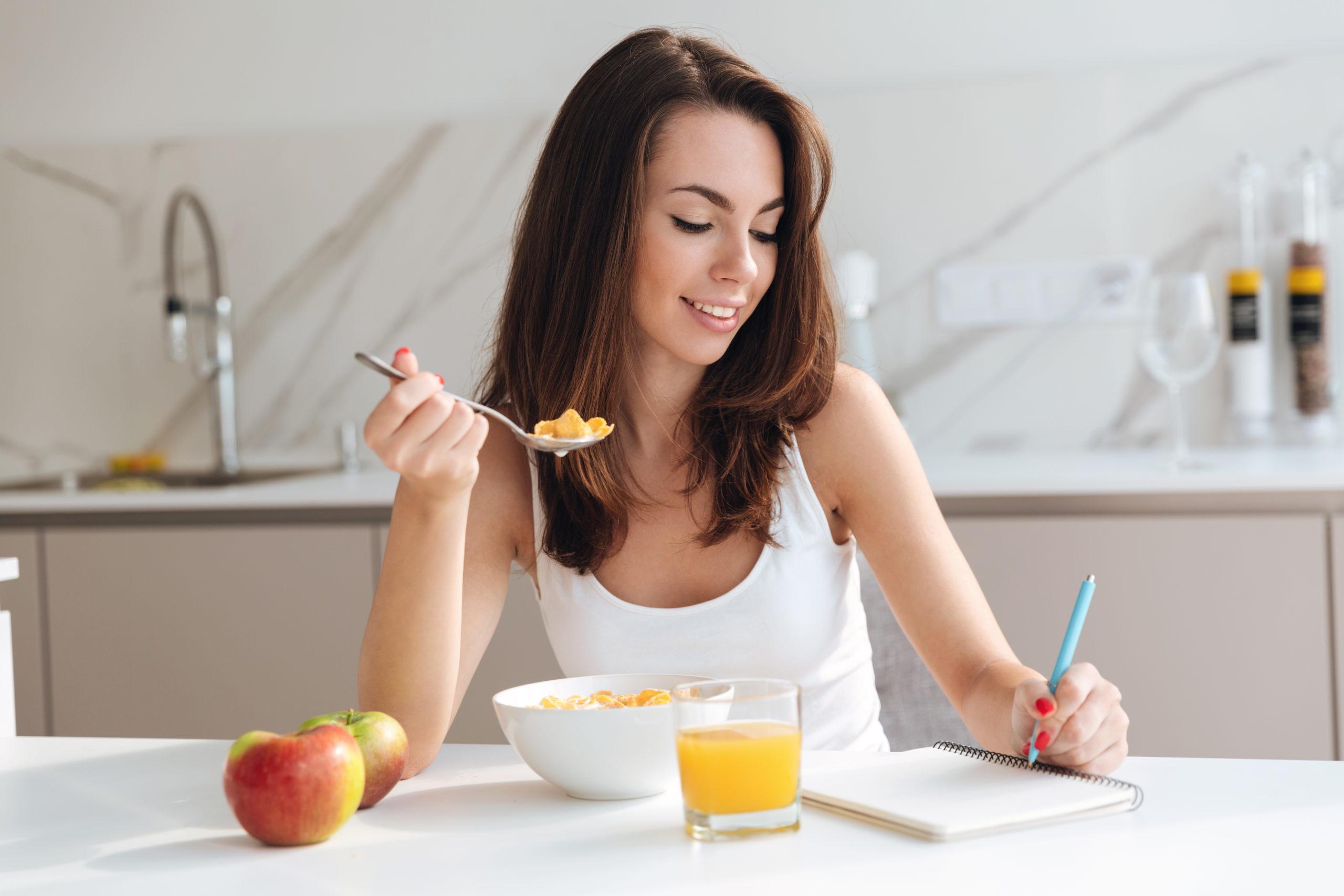 ストレスに効果的な食べ物と飲み物の総まとめ!有効成分もご紹介   食 ...